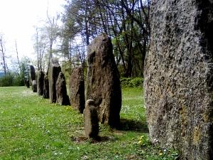 Clendy Menhirs